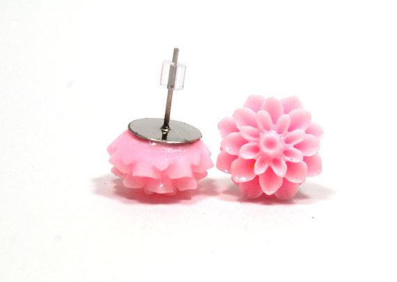 resin jewelry pale pink light pink resin flower stud earrings